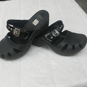 Dr Scholl's mule clogs.  Black- Size 7.